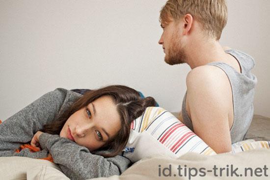 Tips menghindari bosan berhubungan seks jenuh bercinta