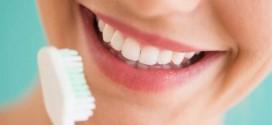 menghilangkan-karang-gigi-plak